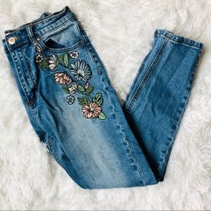 Forever 21 | Embroidered Floral Skinny Jeans
